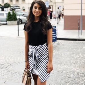 Zara trendy mini skirt